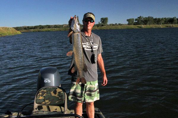 Jesse_pike_paddlefish_postim